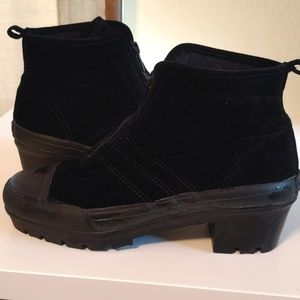 Dkny Shoes - DKNY Zip Front Boots Size Size 8